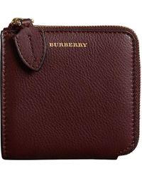 Burberry Korrelige Leren Vierkante Portemonnee Met Ritssluiting - Rood