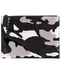 Valentino Garavani Vlogo Camouflage-print Clutch - Black