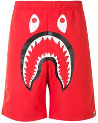 "A Bathing Ape Joggingshorts mit ""Shark""-Print - Rot"