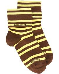 Miu Miu Gestreifte Socken mit Logo - Braun