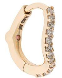 Maria Black 14kt Geel Gouden Wave Huggie Oorsteker Met Diamant - Metallic