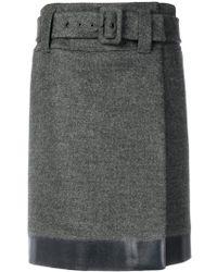 Prada - Falda corta con cinturón - Lyst