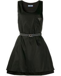 Prada Платье С Поясом И Металлическим Логотипом - Черный