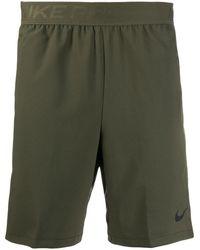 Nike ロゴ トラックショーツ - グリーン