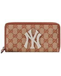 Gucci Original GG zip around wallet with New York Yankees patchTM - Braun