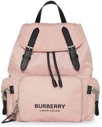 Burberry Econyl® Medium Rugtas - Roze