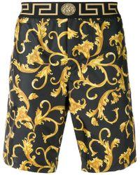 e39b902bf0f Lyst - Short de bain en nylon avec logo Versace pour homme en ...
