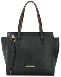 Ferragamo ロゴプレート ハンドバッグ - ブラック