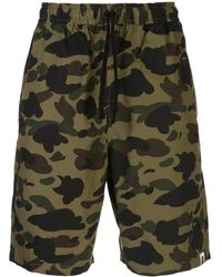 A Bathing Ape Shorts con stampa camouflage - Verde