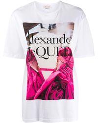 Alexander McQueen T-shirt Met Roosprint - Wit