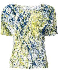 Issey Miyake - Top plisado con estampado tie-dye - Lyst