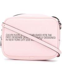 Calvin Klein Crossbodytas Met Tekst - Roze