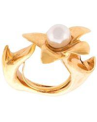 Oscar de la Renta Pearl Flower Ring - Metallic