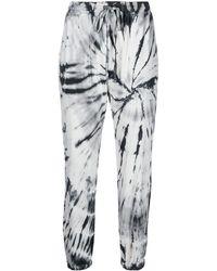 Raquel Allegra Pantalones capri Tracker con estampado tie-dye - Gris