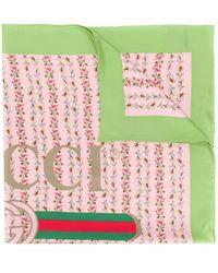 Gucci - Pañuelo con estampado de rosas y logo - Lyst