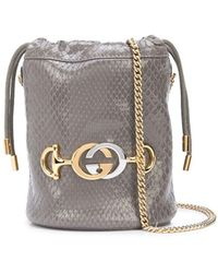Gucci Snakeskin effect bucket bag - Grigio