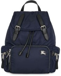 Burberry The Medium Rucksack in Puffer Nylon and Leather - Blau