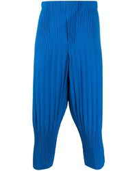 Homme Plissé Issey Miyake Pantalones capri plisados - Azul