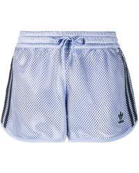 adidas Originals ロゴパッチ メッシュショートパンツ - ブルー