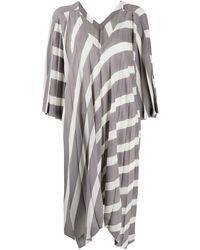 Issey Miyake Robe plissée à design asymétrique - Gris