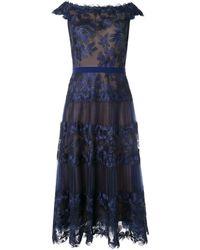 Tadashi Shoji Vestido translúcido con hombros descubiertos - Azul