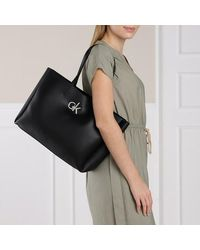Calvin Klein Shopping Bag With Laptop Pouch - Zwart