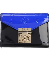 MCM Small Patricia Three-Fold Wallet Patent Leather Neon Cobalt - Noir