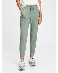Gap Fit Recycled Hike Sweatpants - Green