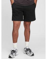 Gap Fit Tech Fleece Shorts - Black