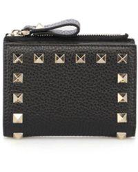 Valentino Garavani Valentino Garavani Compact Rockstud Wallet In Black Grainy Calfskin Leather