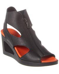 Arche Vahiro Leather Wedge Sandal - Black