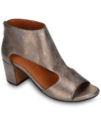 Gentle Souls By Kenneth Cole Charlene Leather Sandal - Brown