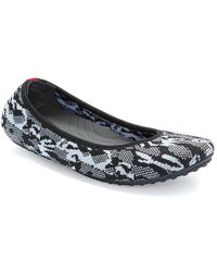 Me Too Kamo 12 Knit Flat - Black