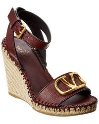 Valentino - Vlogo 105 Grainy Leather Wedge Sandal - Lyst