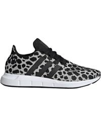 adidas Swift Run Sneaker (women) - Black