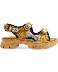 Gucci - Sandalo in pelle con cristalli - Lyst