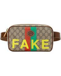 """Gucci Gürteltasche mit """"Fake/Not"""" Print - Natur"""