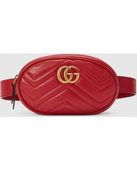 Gucci GG Marmont Gürteltasche aus Matelassé-Leder - Rot