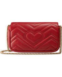 Gucci GG Marmont Super-Mini-Tasche aus Matelassé-Leder - Rot