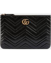 Gucci GG Marmont Täschchen aus Leder - Schwarz