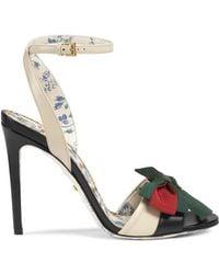 cc05b67dd14284 Gucci - Leather Sandal With Web Bow - Lyst