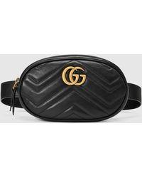 Gucci GG Marmont Gürteltasche aus Matelassé-Leder - Schwarz