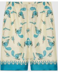 Gucci Shorts aus Seidentwill mit Print von Freya Hartas - Weiß