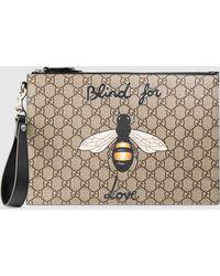 Gucci GG Supreme Täschchen mit Bienen-Print - Natur