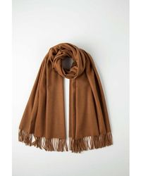 Johnstons - Toffee Classic Cashmere Stole - Lyst