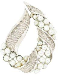 Susan Caplan 1960s Vintage Trifari Faux Pearl Brooch - Metallic