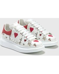 Alexander McQueen Oversized Sneakers With Heart Print - White