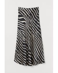 H&M Flared Satin Skirt - Black