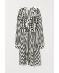 H&M Jerseykleid mit V-Neck - Schwarz
