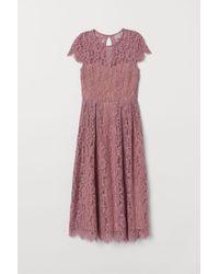 H&M Wadenlanges Spitzenkleid - Pink